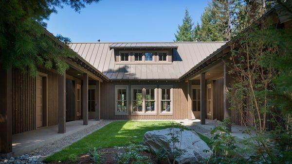 Modern home with outdoor. Suncadia Photo 2 of Suncadia