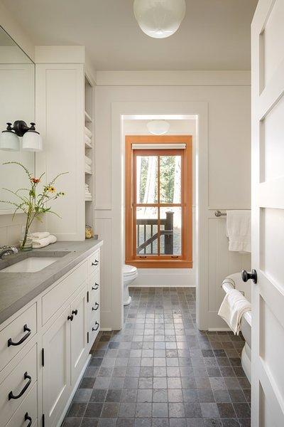 Modern home with bath room. Suncadia Photo 15 of Suncadia