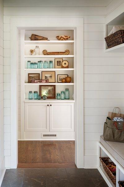 Modern home with storage room. Suncadia Photo 13 of Suncadia