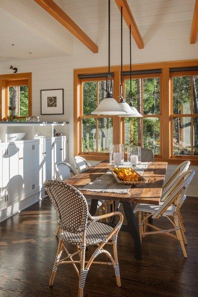 Modern home with kitchen. Suncadia Photo 6 of Suncadia
