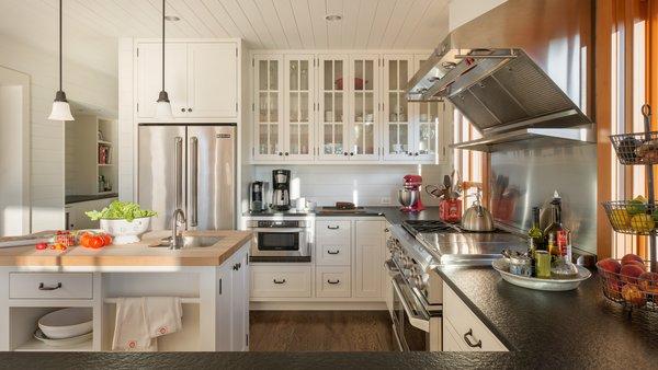 Modern home with kitchen. Suncadia Photo 7 of Suncadia