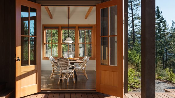 Modern home with outdoor. Suncadia Photo 5 of Suncadia