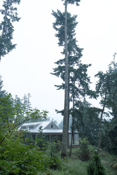 Modern home with outdoor. Decatur Island Photo 13 of Decatur Island