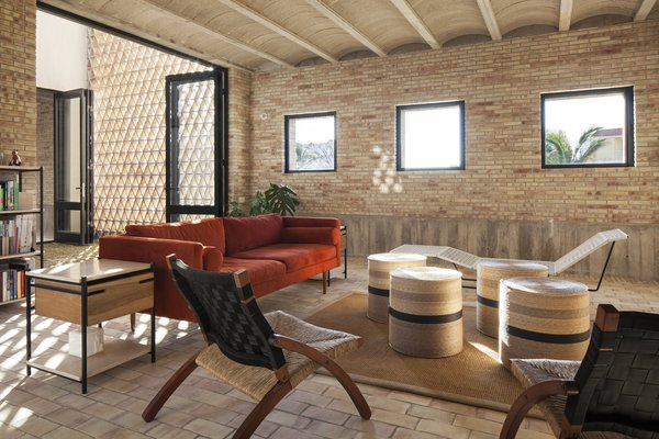 Modern home with living room and terra-cotta tile floor. Living room. Photo 7 of Casa Iguana