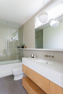 What's the Best Way to Save Space in a Small Bathroom? - Photo 5 of 14 - Custom Master Bath Vanity