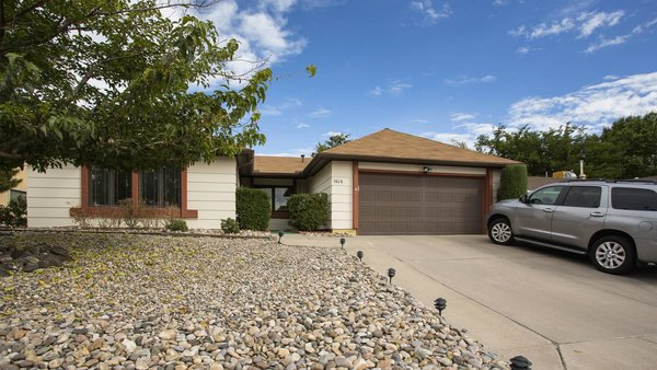 Photo  of Walter White House modern home