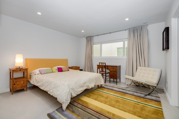 Modern home with bedroom. Photo 8 of Stunning 3BR on the sand in Marina del Rey