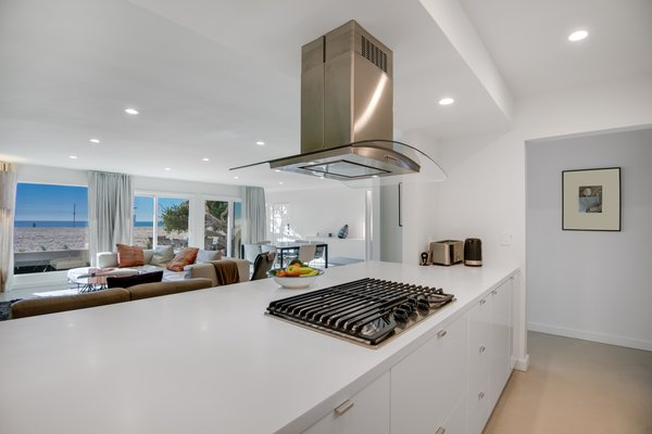 Modern home with kitchen. Photo 5 of Stunning 3BR on the sand in Marina del Rey