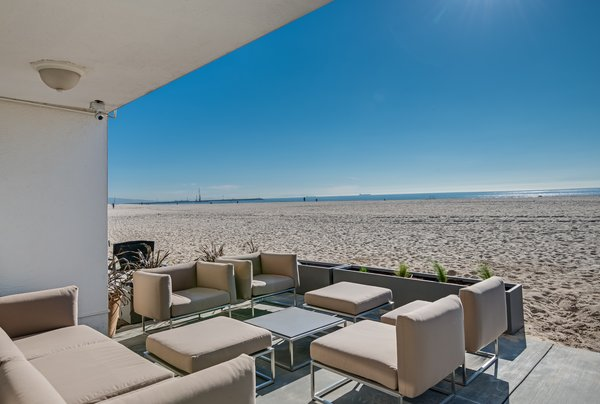 Modern home with outdoor. Photo 6 of Stunning 3BR on the sand in Marina del Rey