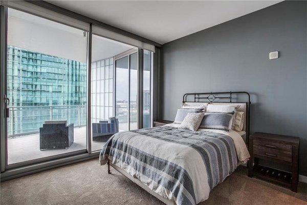 Photo 9 of Modern Dallas High-Rise modern home