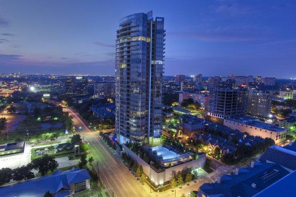 Azure Condos of Dallas Photo 13 of Modern Dallas High-Rise modern home
