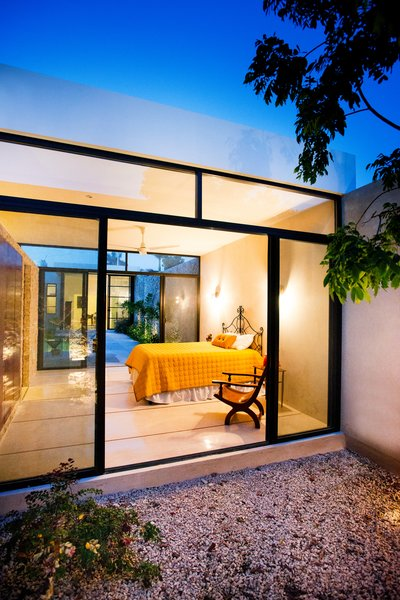 Modern home with bedroom. Photo 17 of Casa FS55