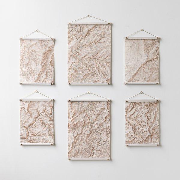 Maple & Brass Hanger Frame (White)