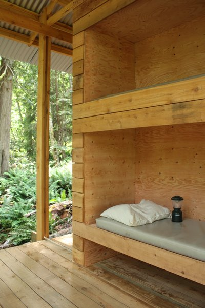 Modern home with bedroom and bunks. Photo 5 of Salamander