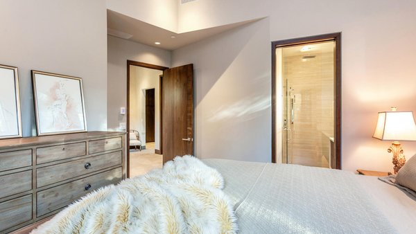 Guest Suit Photo  of Beaver Dam Luxury modern home