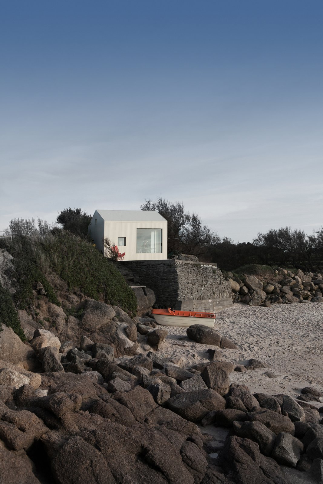 @aubry.guillaume Tagged: Outdoor and Front Yard.  Viking Seaside Summer Cabin by zi ouiggy