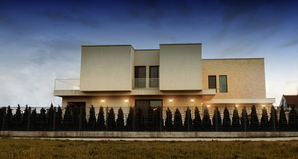 Modern home with outdoor and side yard. Photo 5 of Voluntari Residence