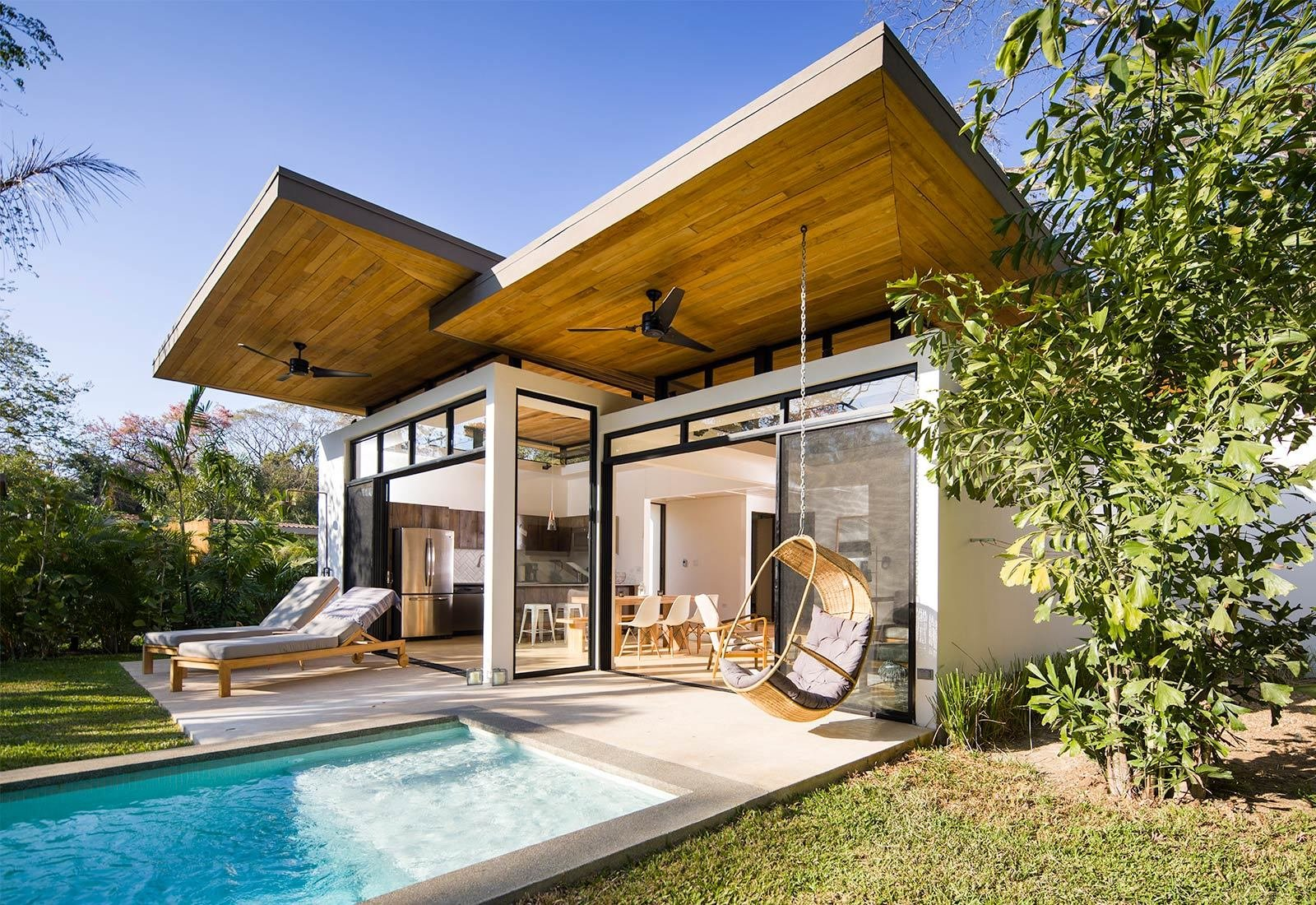 Tagged: Outdoor, Small Pools, Tubs, Shower, Trees, Grass, and Back Yard.  Nalu by Studio Saxe