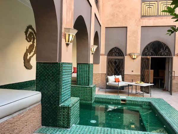 Modern home with outdoor, front yard, swimming pool, landscape lighting, hanging lighting, plunge pool, and large patio, porch, deck. http://abnb.me/EVmg/ZerWHwW7KD Photo 19 of ROYALRIAD MARRAKECH