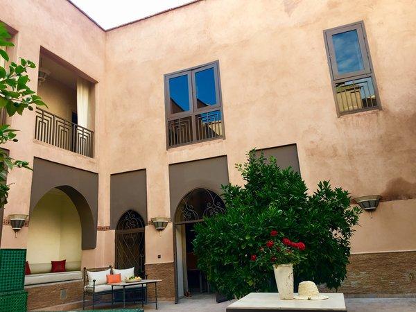 http://abnb.me/EVmg/ZerWHwW7KD Photo 6 of ROYALRIAD MARRAKECH modern home