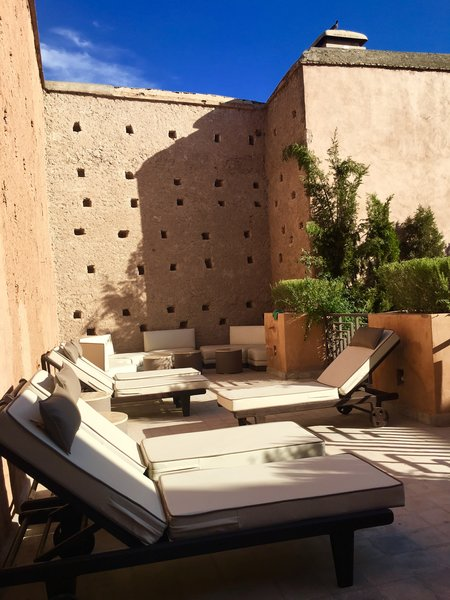 Modern home with outdoor. http://abnb.me/EVmg/ZerWHwW7KD Photo 11 of ROYALRIAD MARRAKECH