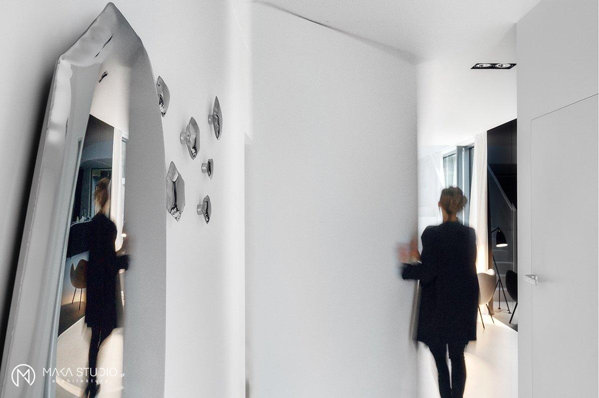 Tagged: Hallway and Slate Floor.  Minimal Seaside Villa by MAKA Studio