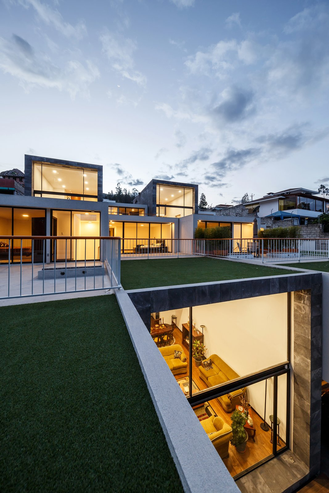 Tagged: Outdoor, Front Yard, Gardens, Rooftop, Metal Fences, Wall, and Grass.  FF Houses by TEC Taller EC