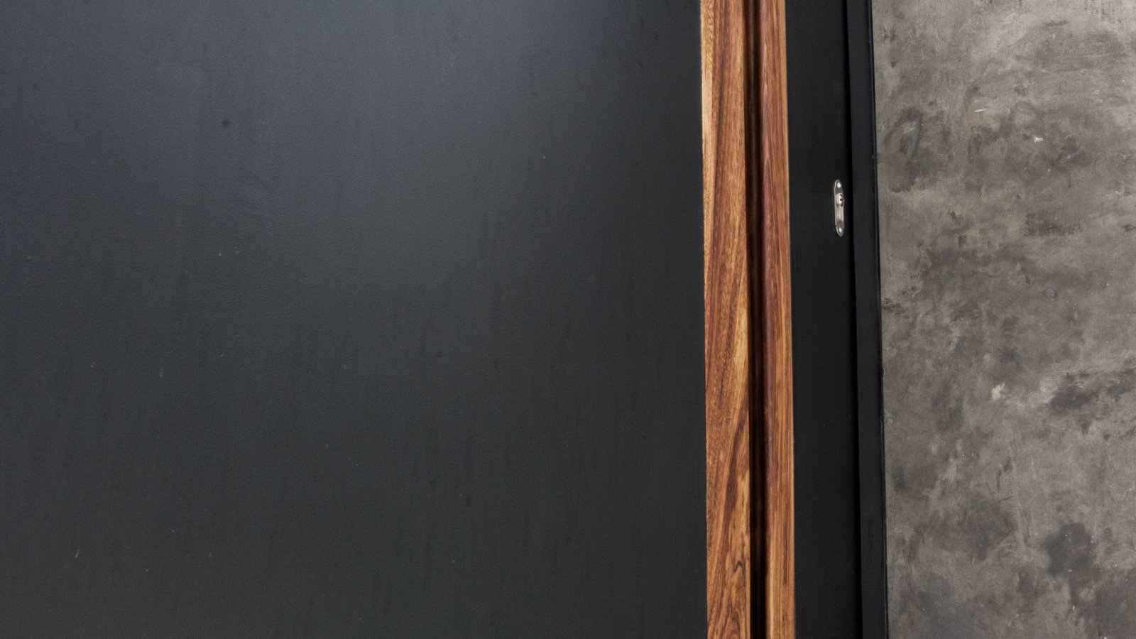Tagged: Doors, Exterior, Wood, and Metal.  Casa Paraíso by DCPP by LCMX