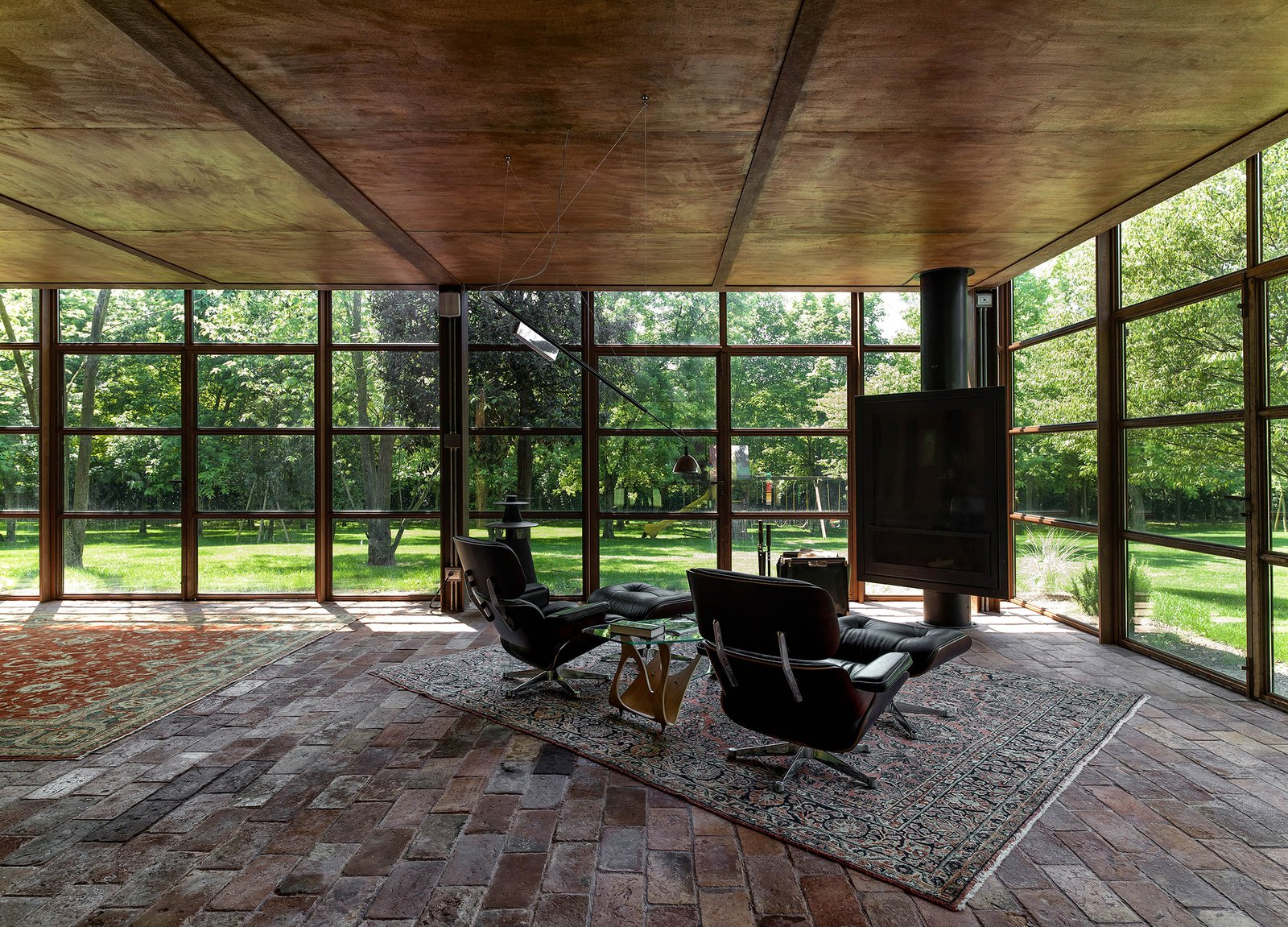 Tagged: Living Room, Ottomans, and Floor Lighting. Country House by zanon architetti associati