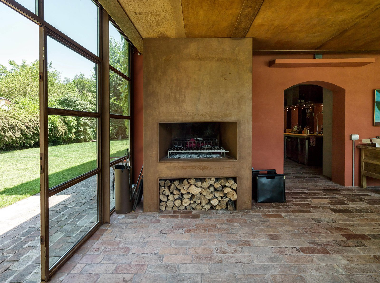 Tagged: Living Room and Standard Layout Fireplace.  Country House by zanon architetti associati