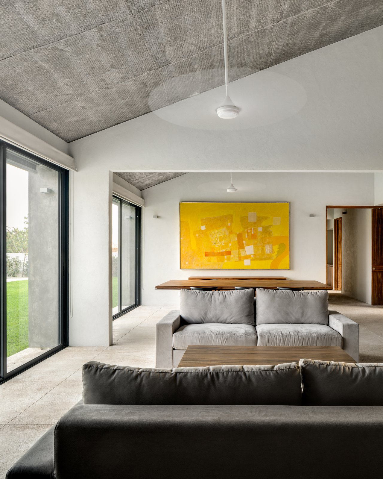 Tagged: Living Room, Sofa, and Wall Lighting.  Casa Paraíso Country Club by DCPP