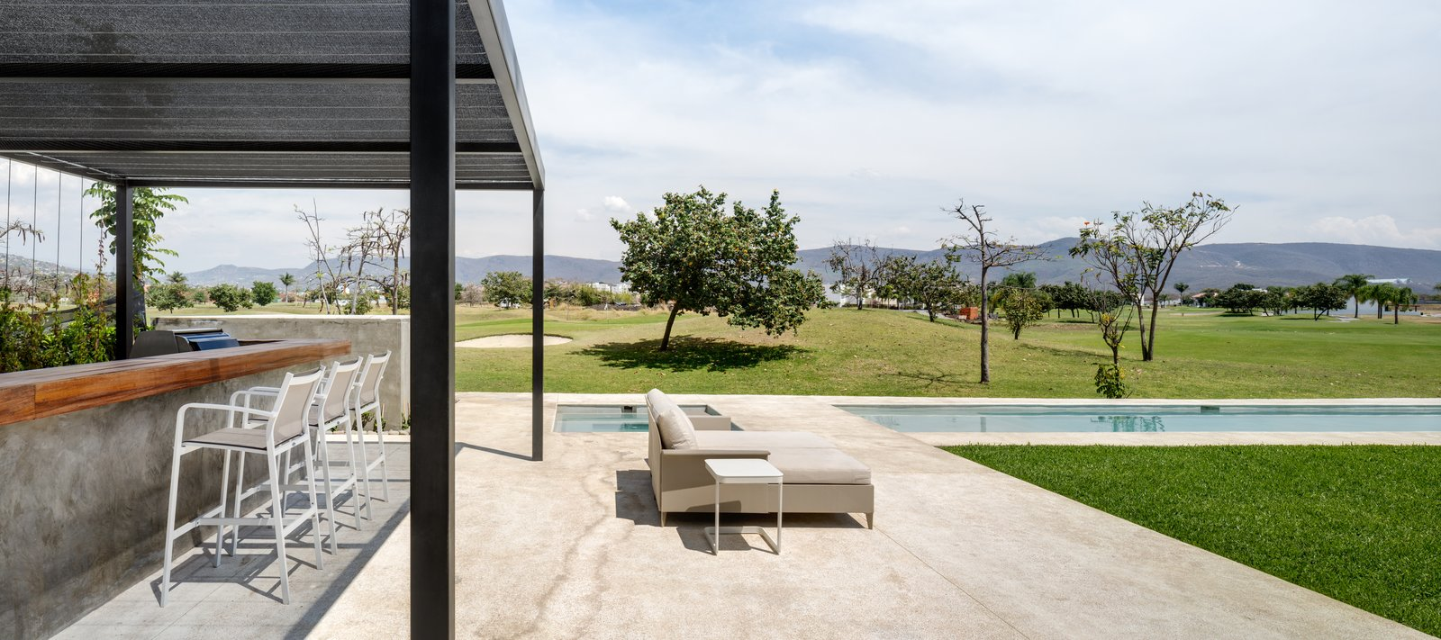 Tagged: Outdoor, Trees, Infinity Pools, Tubs, Shower, Large Pools, Tubs, Shower, and Back Yard.  Casa Paraíso Country Club by DCPP