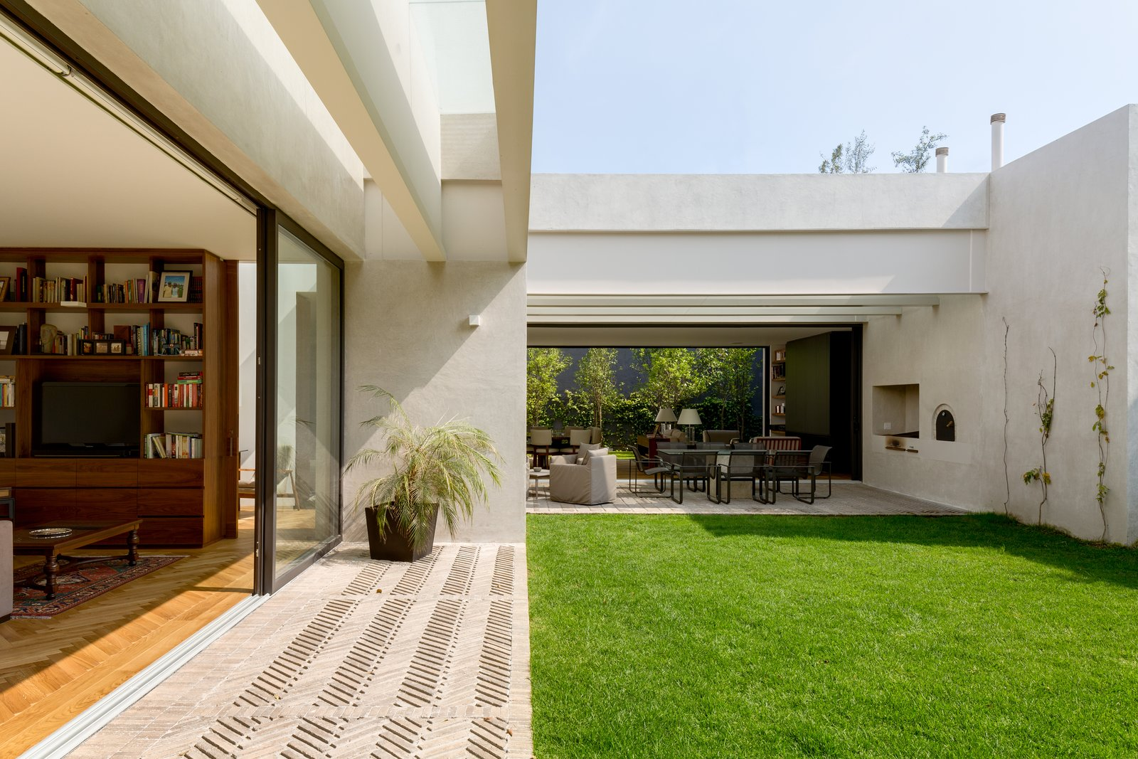 Casa Jardín 58 by DCPP