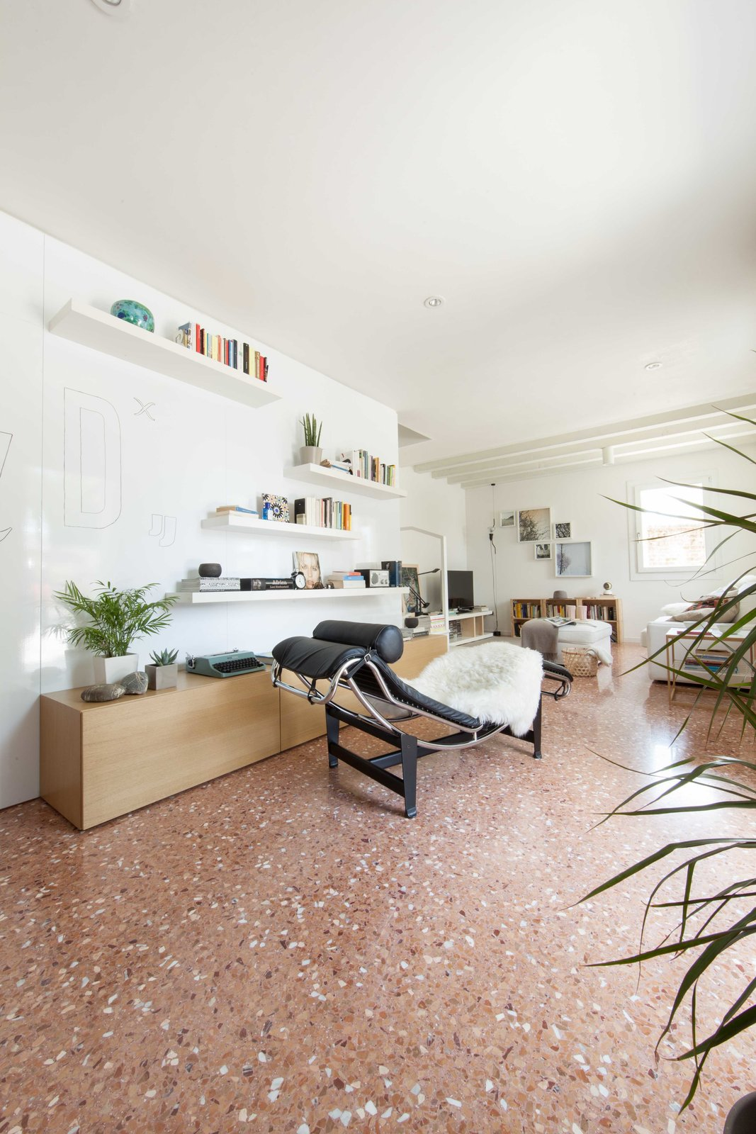 entrance Tagged: Living Room and Marble Floor. House PB by Didonè Comacchio