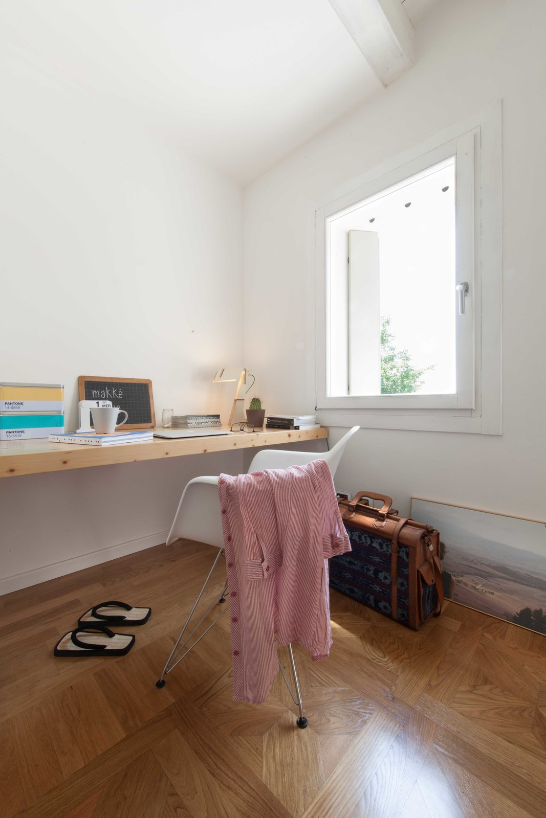 bedroom Tagged: Bedroom and Light Hardwood Floor.  House PB by Didonè Comacchio