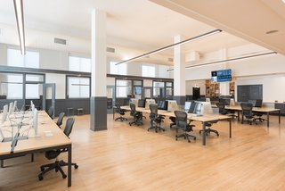 A Historic U.S. Post Office Is Transformed Into a Digital Agency's New Modern Office - Photo 9 of 15 -
