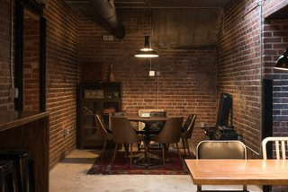 A Historic U.S. Post Office Is Transformed Into a Digital Agency's New Modern Office - Photo 13 of 15 -