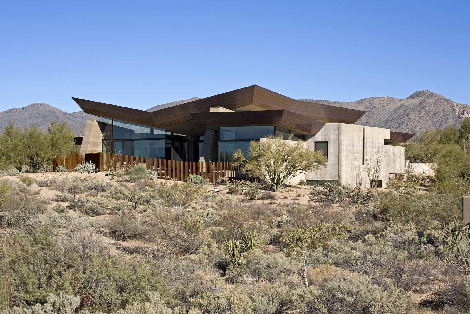 Tagged: Exterior, House, Metal Roof Material, Concrete Siding Material, and Metal Siding Material. Desert Wing by Brent Kendle