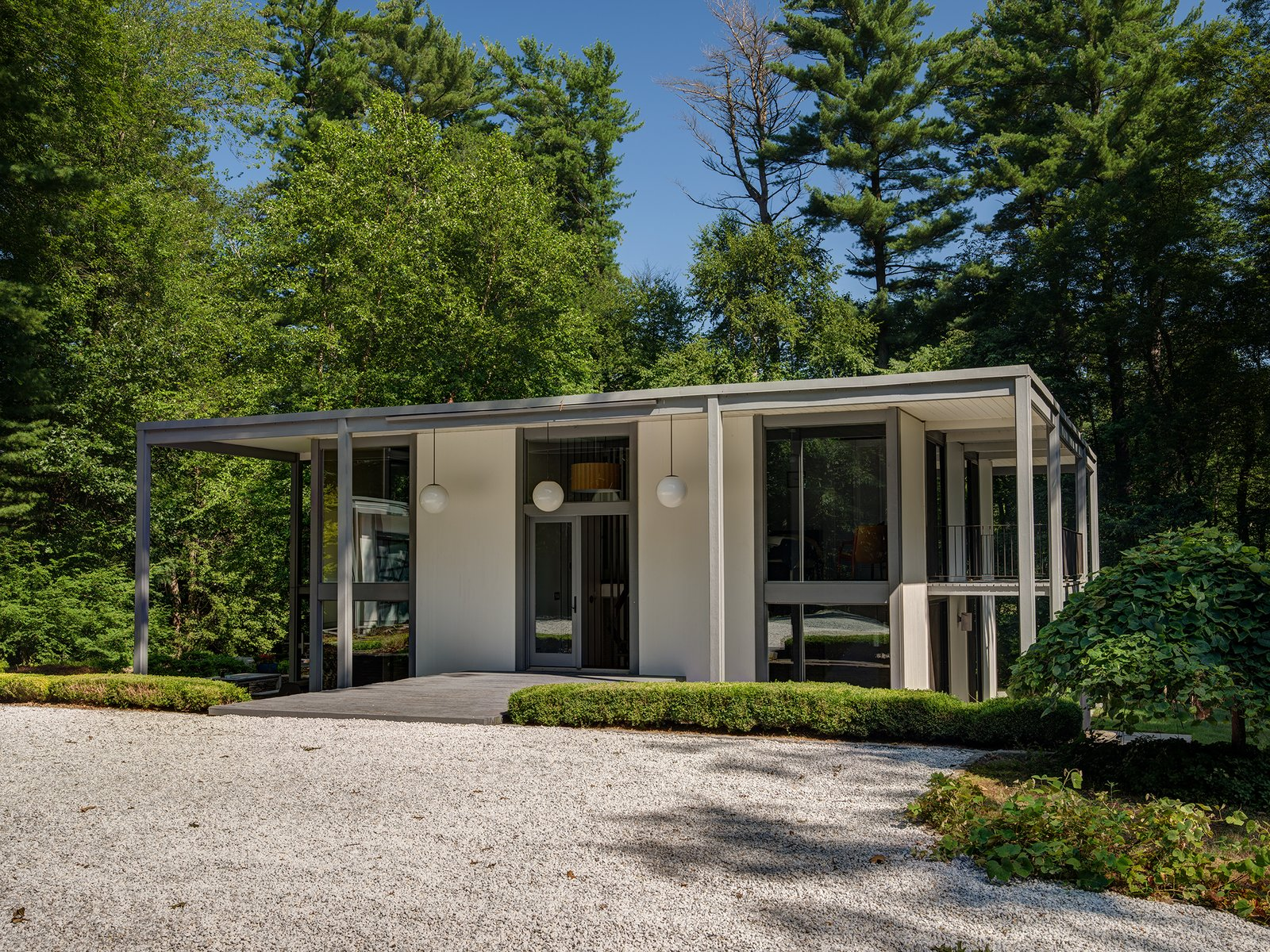 Desilver house by john black lee harrison desilver for Lee homes