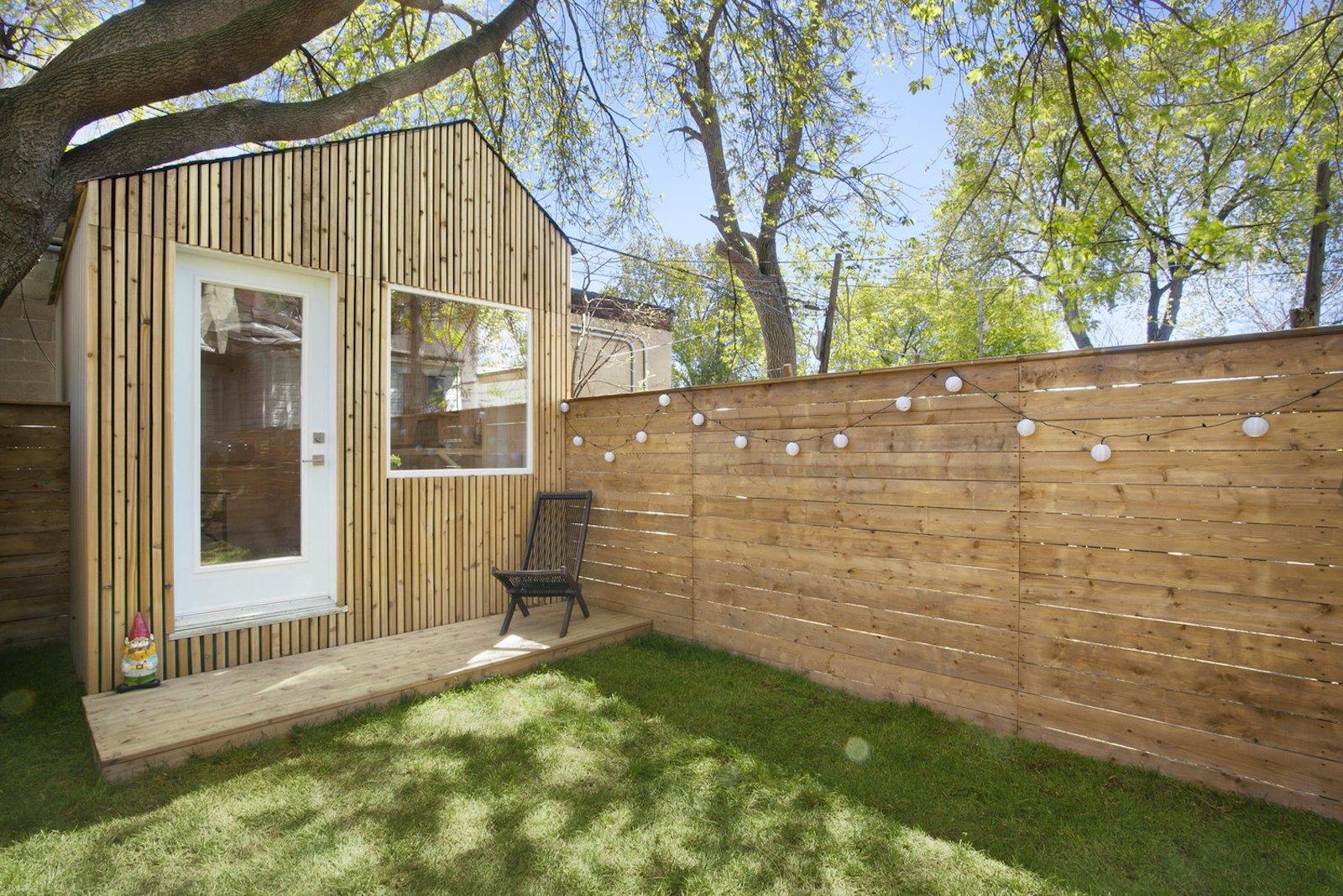 architect designs a tiny work studio for his toronto backyard
