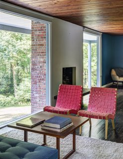 A Showstopping Midcentury in New Canaan Hits the Market - Photo 3 of 12 -