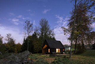 Built on a Budget, This Belgian Cabin Is Straight Out of a Fairytale - Photo 15 of 18 -