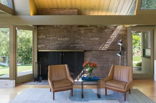 A Midcentury Schindler Gem With a Writer's Studio Asks $2.3M - Photo 8 of 16 -