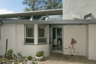 A Midcentury Schindler Gem With a Writer's Studio Asks $2.3M - Photo 15 of 16 -