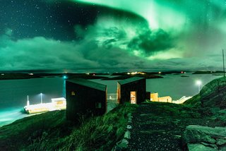 Grab Your Friends and Escape to a Remote Cabin Cluster on a Norwegian Island - Photo 10 of 11 -