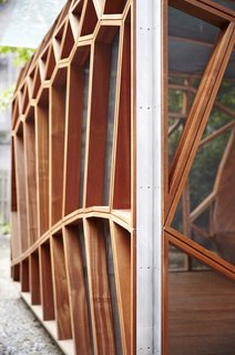 This Prefab Backyard Pavilion Mimics a Dragonfly's Wings - Photo 4 of 7 -