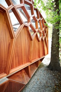 This Prefab Backyard Pavilion Mimics a Dragonfly's Wings - Photo 5 of 7 -