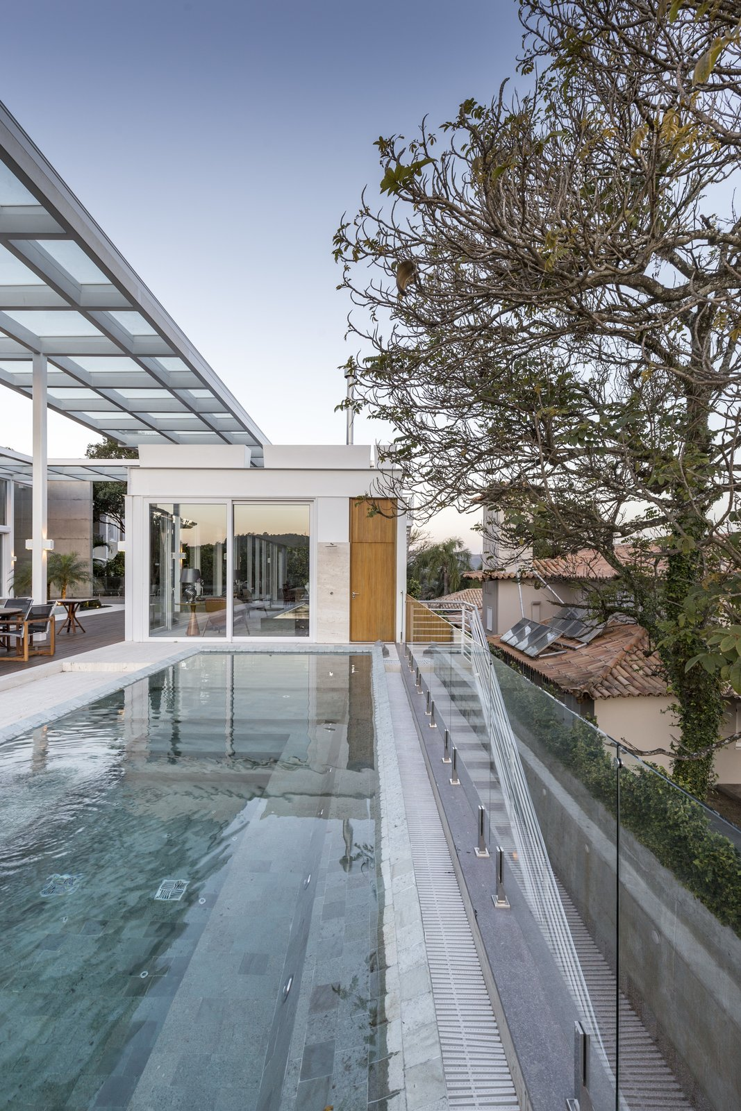 Tagged: Outdoor, Trees, Back Yard, Infinity, Swimming, Large, Metal, Stone, Horizontal, Metal, and Landscape.  Best Outdoor Metal Metal Photos from Jardim do Sol House