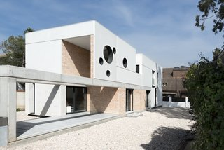 Top 5 Homes of the Week With Funky Facades - Photo 5 of 5 -